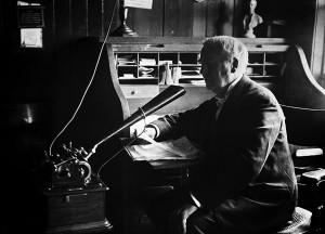 Dictando Edison